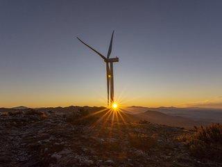 wind-generators-4816270_1920.jpg